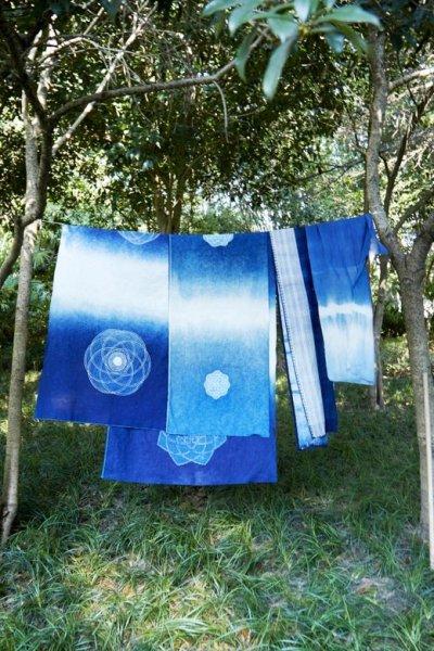 画像2: Sale 30%OFF! 藍染め ミャオ族 バティック布ロング 2種類 Rainbowセレクト