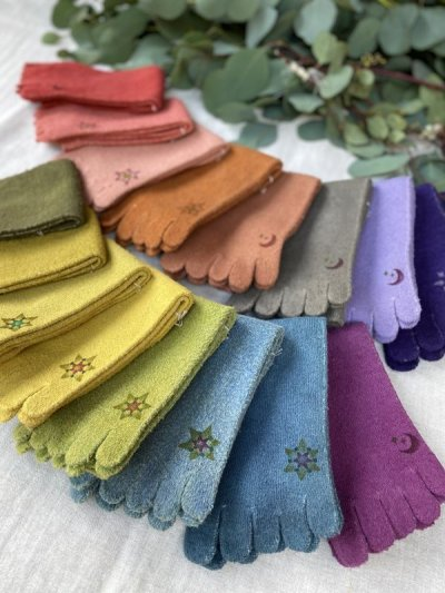 画像1: ヘンプコットン草木染め5本指靴下 2サイズ14パターン  Terra