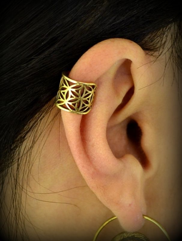 画像1: Flower of life brass ear cuff & Dread beads. (イヤーカフ)Natural spirit (1)