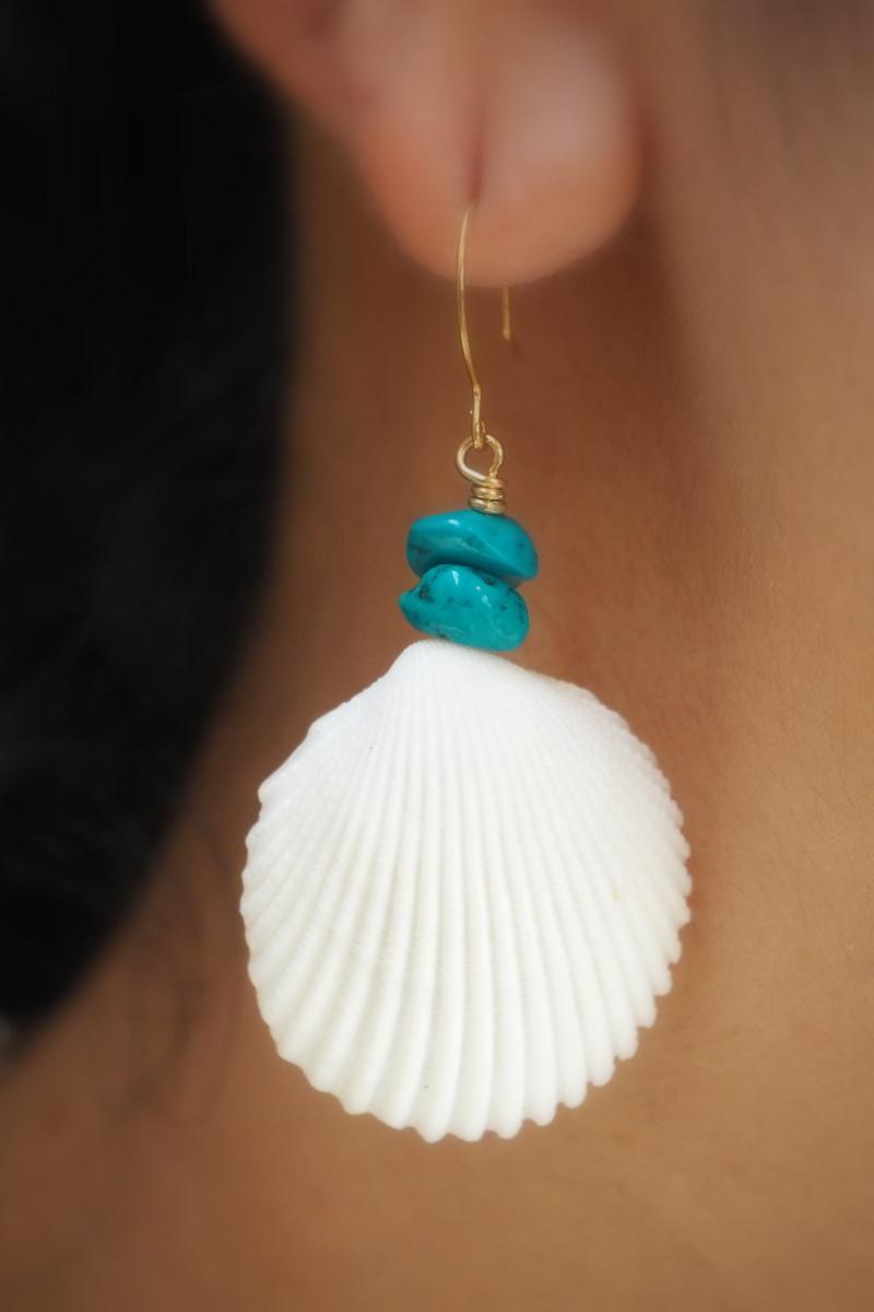 画像1: 価格変更!isigaki shell ピアス  SUNRISE Jewelry (1)