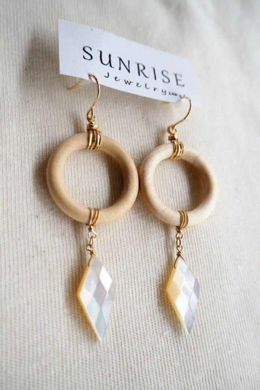 画像1: Sale 30% OFF!! 1点物!14kgf デザインピアス SUNRISE jewelry (1)