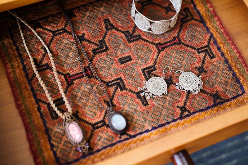 画像1: *Sale 30% OFF!! 南米ペルー アマゾン shipibo族  手織り刺繍布 2種類 (1)