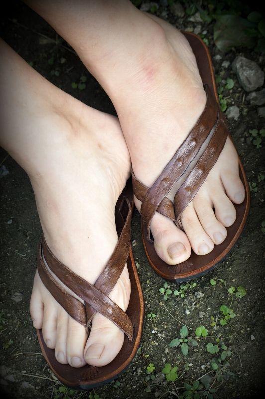 画像1: *Sale 20% OFF!! スモーキーパープル ラスト1!Hand made Leather sandal TUALANTAO とんがり 2colors 3サイズ♪ (1)