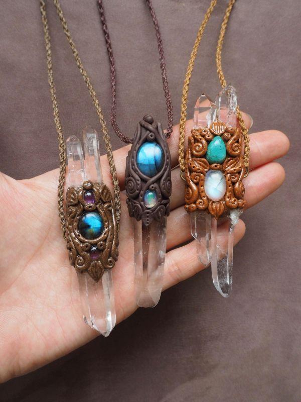 画像1: ヒマラヤ水晶&天然石 クレイペンダント STONES SPIRIT (1)