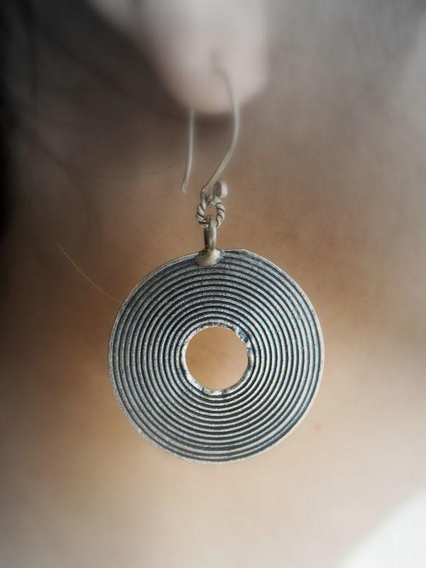 画像1: カレンシルバーピアス natural spirits circle 2種類 (1)