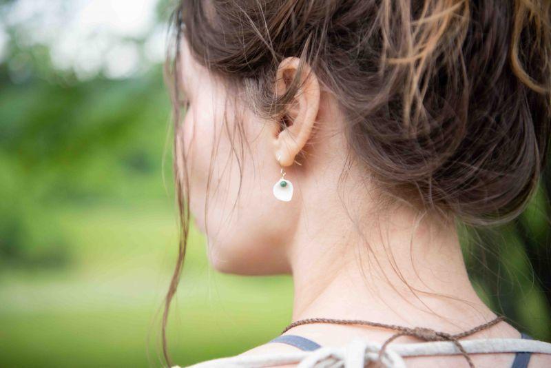 画像1: 価格変更!Green ラスト1!石垣島より  small shell × turquoise earrings Sunrise (1)