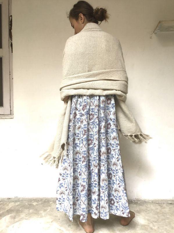 画像1: 手紡ぎ手織り♪ カディコットン 大判ブランケット (1)