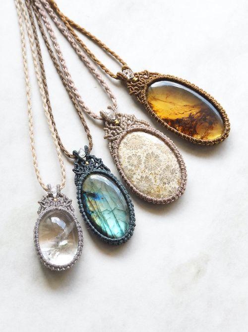 画像1: 天然石(ガーデンクォーツ ・ラブラドライト・フォッシルコーラル・琥珀)&ハーキマー水晶/マクラメペンダント Stones spirit (1)