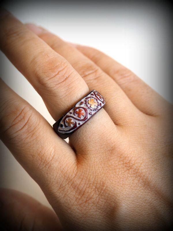 画像1: Greenラスト1!Sale 60% OFF!! 再入荷!!  アイヌ模様 木彫りの指輪 2パターン 5カラー (1)